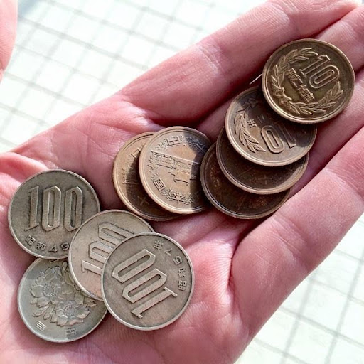 Nằm mơ thấy người khác cho mình tiền xu là điềm gì?